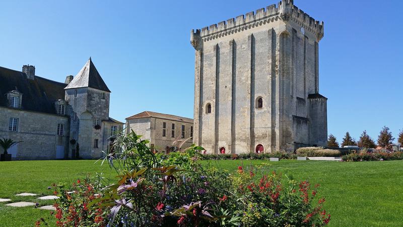 Donjon de Pons